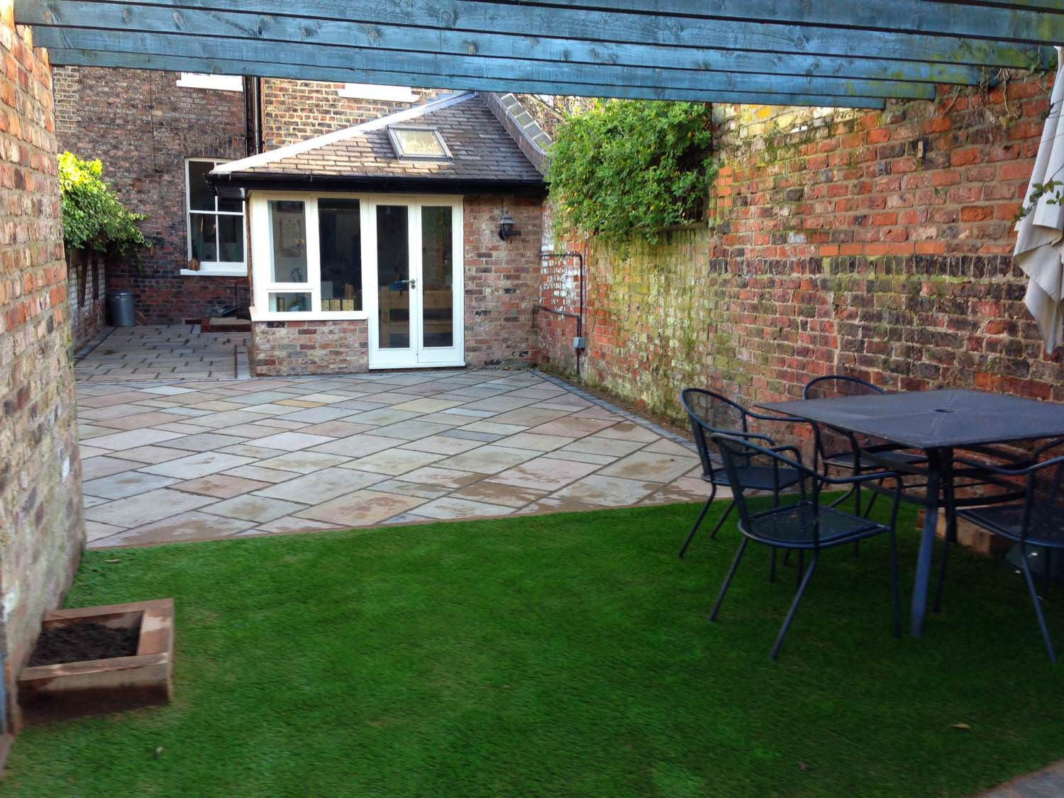 Landscape gardeners in york yorskapes for Garden design york uk